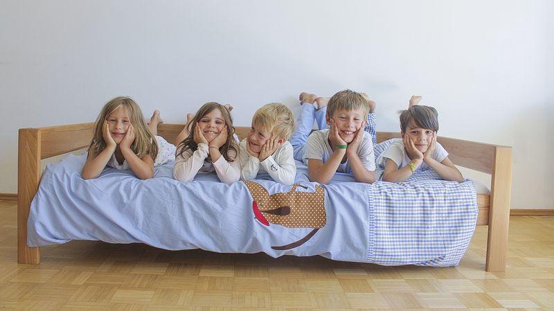 Bei Grippe: Kinder Schlafanzug und Bettwäsche häufig wechseln