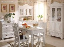 Weiße Landhausmöbel aus Massivholz