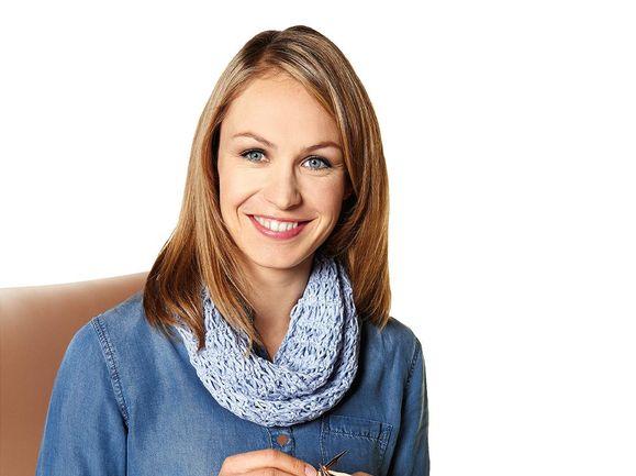 """Biathlon-Olympiasiegerin Magdalena Neuner unterstützt die Hilfsaktion """"Kinderrechte zum Tragen"""" von Lana Grossa und Save the Children"""