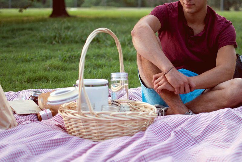 Gute Idee für die ersten Dates - ein leckeres Picknick mit Stil