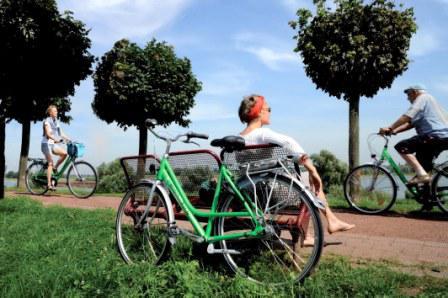 Für eine Radtour durch die Region bietet sich das NiederrheinRad als zuverlässiger Begleiter an