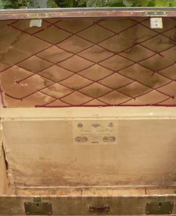 Louis Vuitton Rayee Malle Courrier striped trunk - Reisetruhe Steamer Trunk, Reisekoffer