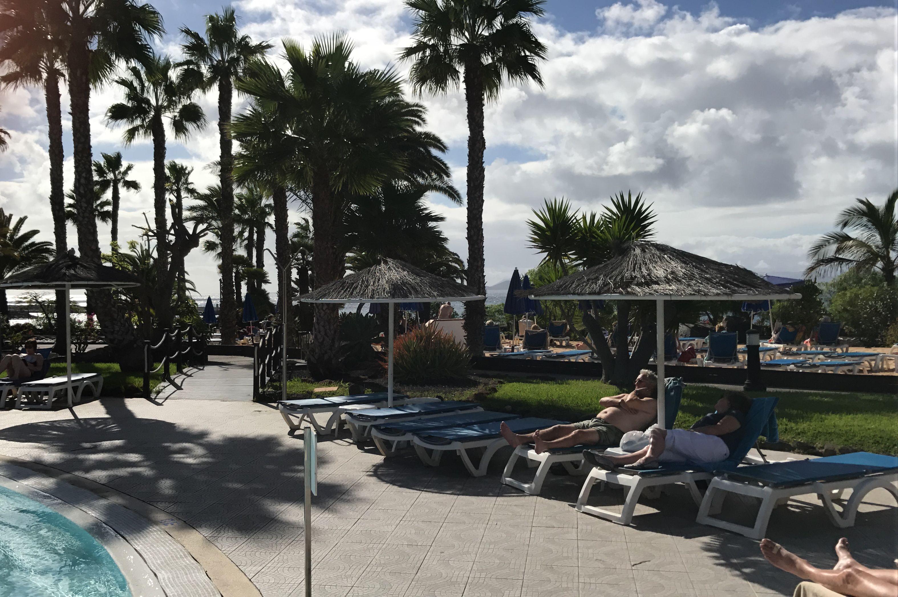 Im Urlaub wird nicht nur in der Sonne gelegen - der Deutsche fotografiert wie ein Weltmeister