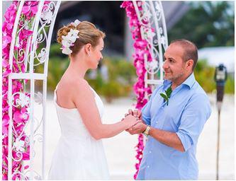 TV-Show-Star-Erdogan-Atalay-und-Katja-Ohneck-haben-sich-im-Jumeirah-Vittaveli-Resort-das-Ja-Wort-gegeben in Romantische Hochzeit von Erdogan Atalay und Katja Ohneck