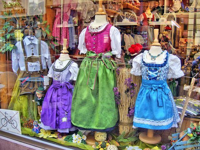 Traditionelle Mode liegt stark im Trend