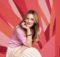 Drew Barrymore in den Isabella Sandals von Crocs 2