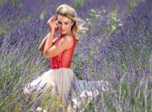 Schöne luftige Sommerkleider aus leichten Stoffen