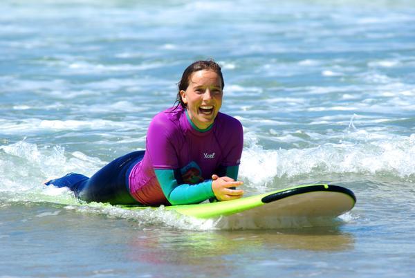 Neopren-statt-Minirock in Surfcamp für Frauen auf Lanzarote