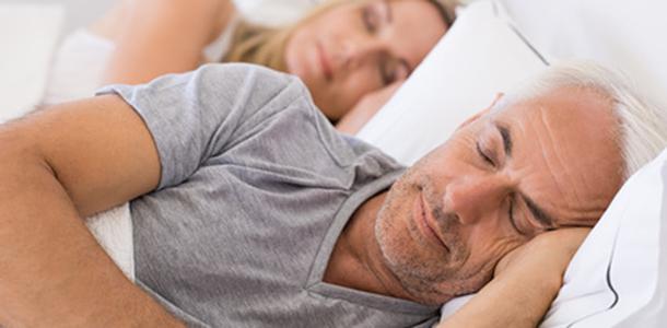 Vitamin D verbessert bei nächtlichen Schmerzen den Schlaf