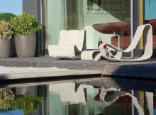 Stylische Gartenmöbel aus zeitlosen, frostsicheren und rezyklierbaren Material