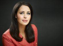 """Annika de Buhr - Moderatorin des Magazins """"Gesund tv"""" bei health tv"""