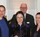 V.l.n.r. Barbara Bücherl, Jing Ning, Jaqueline Stephan (alle Börlind GmbH). hinten: Dr. Jan-H. Riedel (BSB-Beratungs- und Servicebüro Dr. Riedel e.K).
