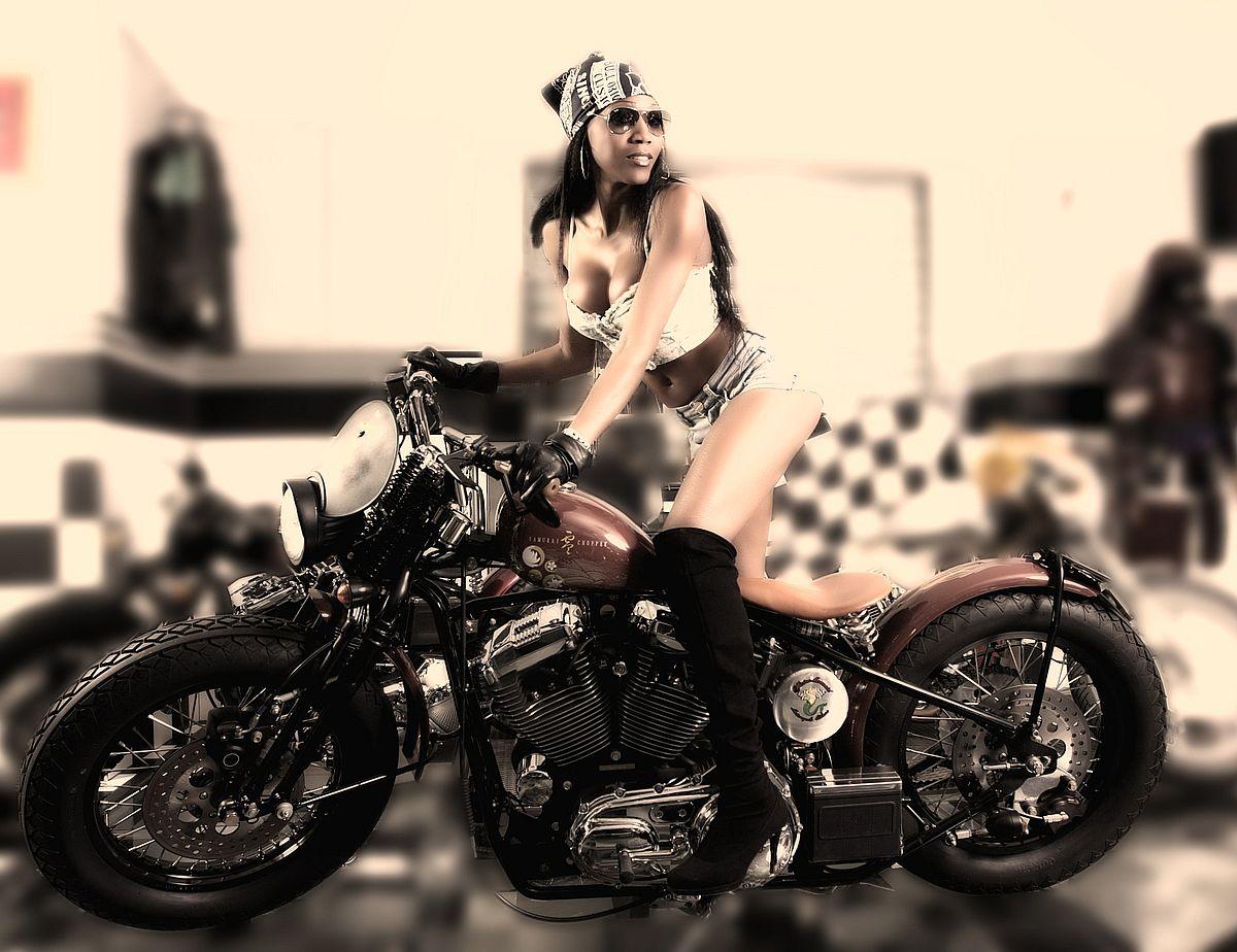 Motorräder fahren weiter im Plus