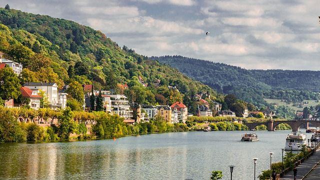 Ausgebildet wurde Frau Kuntzsch an der renommierten Hotelfachschule im schönen Heidelberg