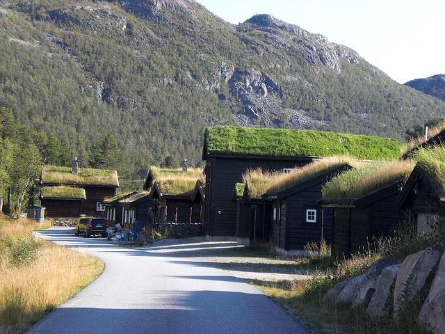 Gerade in Skandinavien sind Rundreisen mit dem Auto sehr lohnend