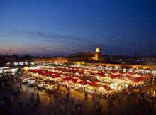 Nächtlicher Markt in Marrakesch