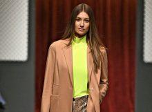 Supermodel Lorena Rae eröffnet die Fashion Show von Marc Cain