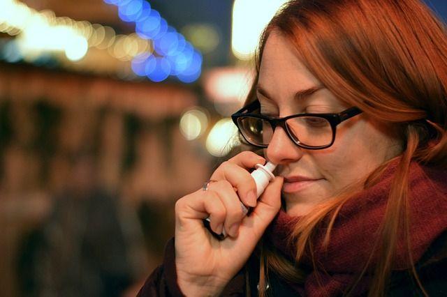 Verschiedene Nasensprays helfen bei akuten Beschwerden