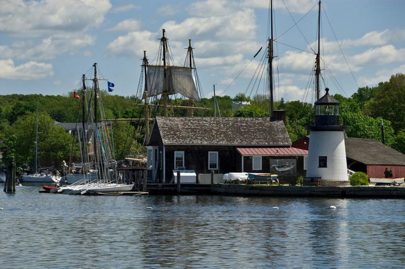 Die Waterfront im Mystic Seaport