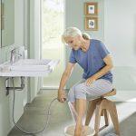 Sicherheit und Komfort: Ist das heimische Badezimmer pflegetauglich?