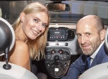 Topmodel Jolina Fust fährt gerne Auto
