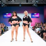 Sexy schwarze Unterwäsche für Inkontinenz auf der Berlin Fashion Week