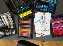 """Über die Magie von Modezeichnungen / Karl Lagerfeld bezeichnete sich selbst als """"Papierfreak"""""""