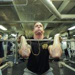 Bodybuilding: Ein vernünftiges Gleichgewicht zwischen Ehrgeiz und Sucht finden