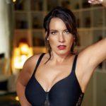 Wäschehersteller Dacapo Dessous bucht curvy Model Katharina Stahn