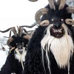 Krampus-Lauf in Gastein: Dunkle Masken, braunes Fell und viel Krach