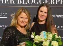 Silva Imken (links) und Katrin Stockinger (rechts) haben die Auszeichnung entgegengenommen