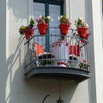 Wie man kleine Balkone gemütlich einrichtet