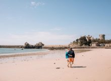 Im Frühling ist viel Platz für Strandspaziergänge