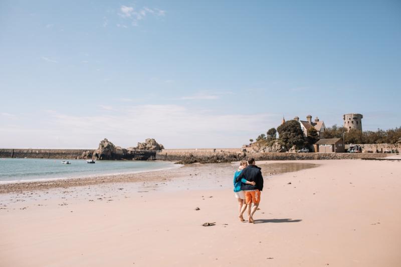 Schöne Strandspaziergänge in kurzer Hose sind kein Problem