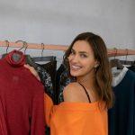 Topmodel Irina Shayk stöbert in der neuen Herbst-Winter Kollektion von Falconeri