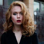 Sonne und Nässe: Wie hält deine Frisur?