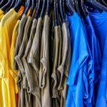 Warum blaue T-Shirts jetzt wegwerfen?